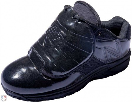 MUL460T3 New Balance V3 All-Black Low-Cut Umpire Plate Shoes Outside Front Angled View